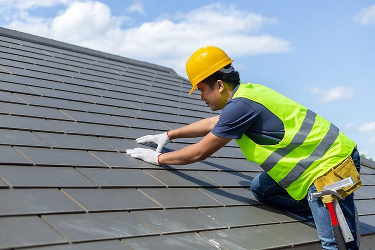 Roof-Replacement-Worker-With-White